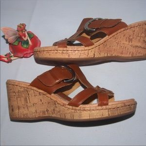 b.o.c. Wedge Sandals sz 8